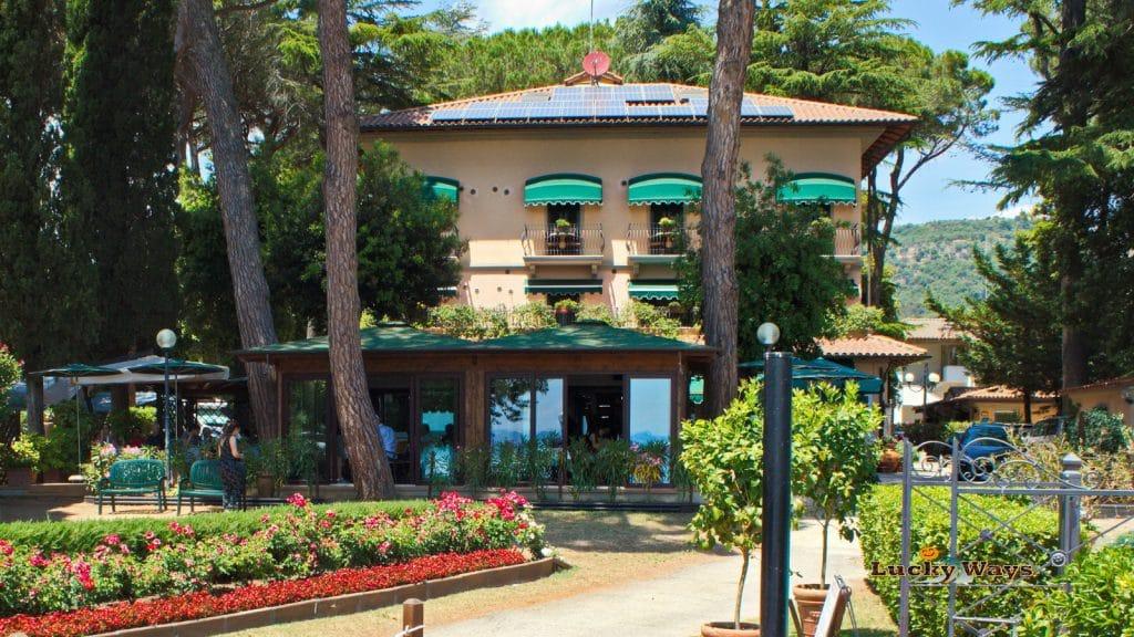 Italien Umbrien Lago Trasimeno Camping Kursaal Hotel