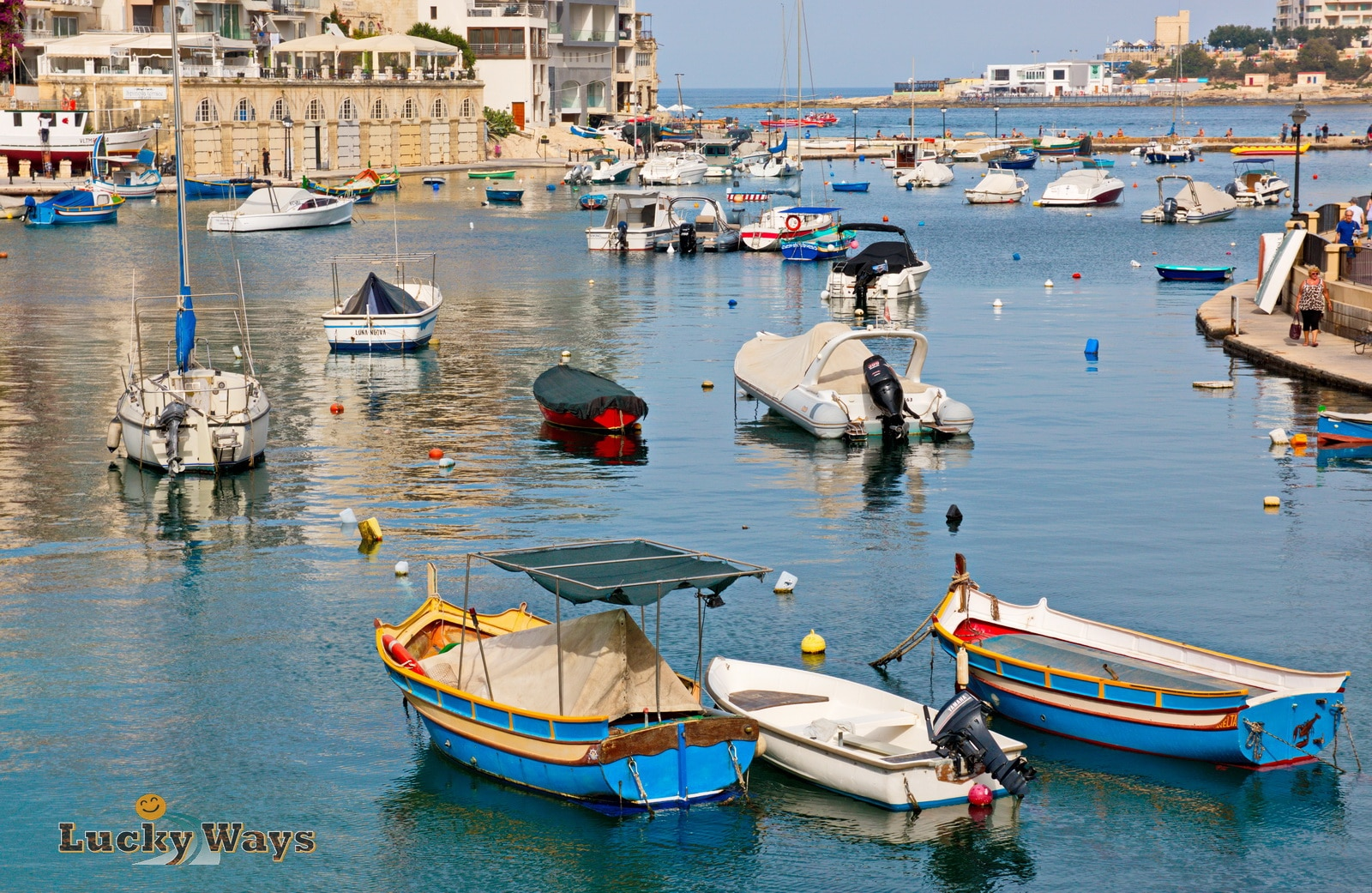 Malta Sightseeing Spinola Bay Boote ankern