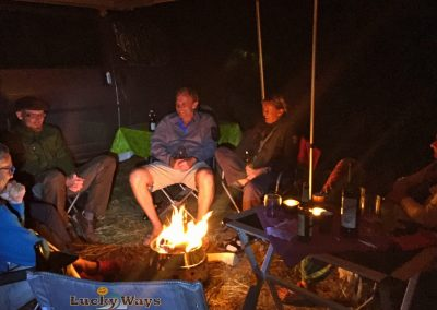 Adventure Southside Camp Area am Lagerfeuer