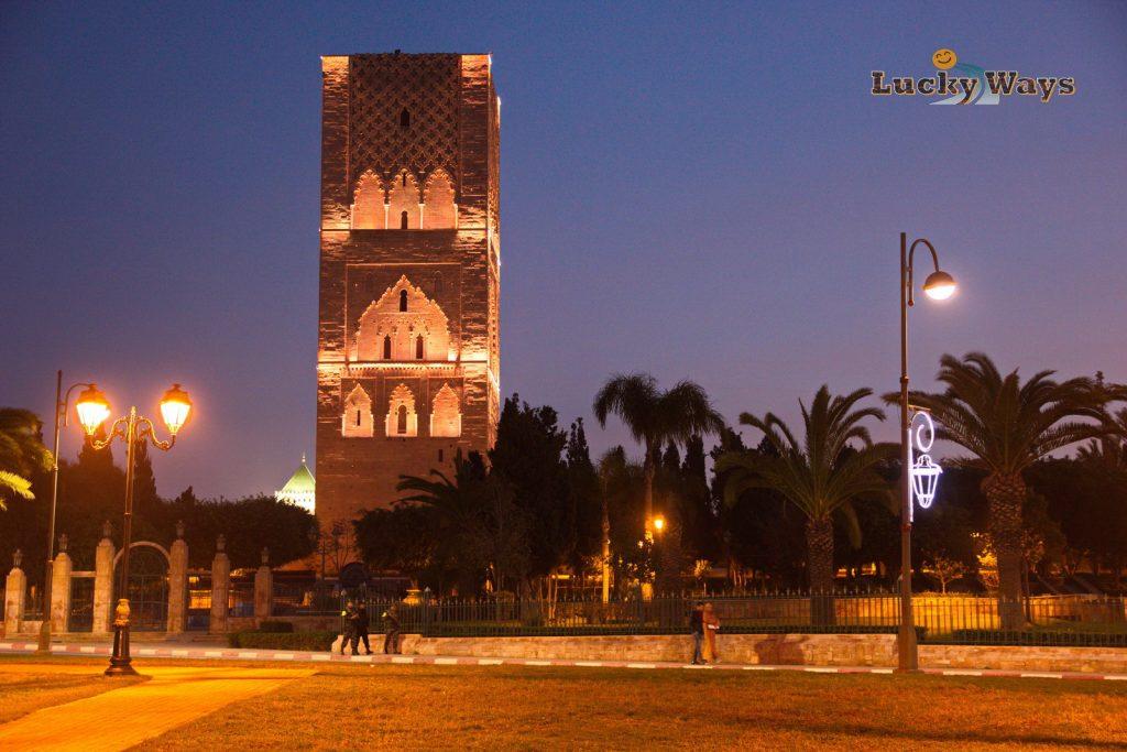 Rabat Marokko Hassan-Turm blaue Stunde